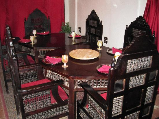 فندق مارا: Salahadeen Restaurant in Mara House