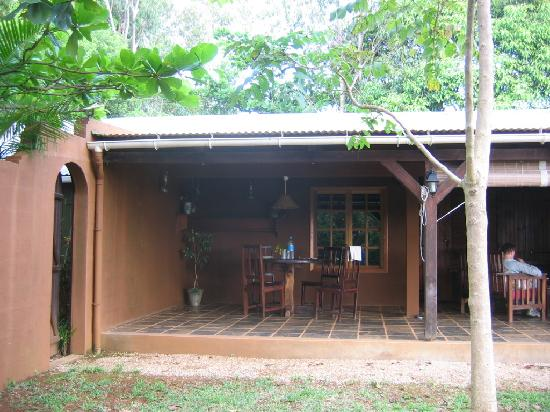 La Vieille Cheminee: outdoor dining