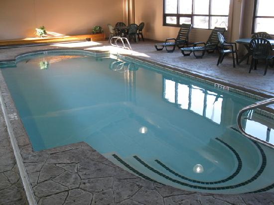 Bangor, ME: Indoor Pool - Days Inn BGR