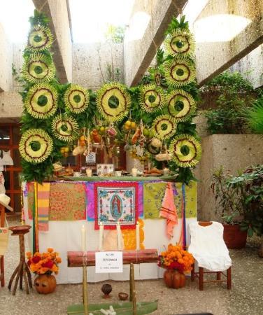 Papantla, México: altar dia de muertos