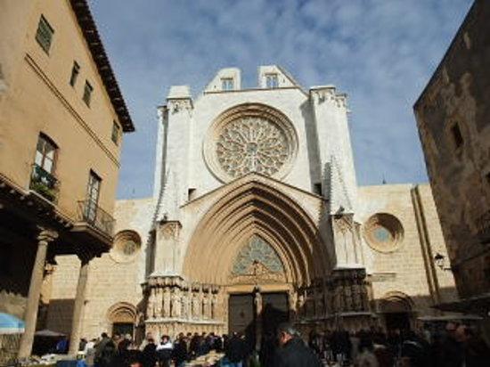 Catedral Basilica Metropolitana Primada de Tarragona: カテドラル正面