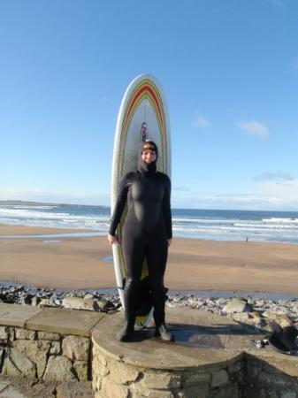 Strandhill, Irland: All set for first Irish surf session; hood, boots, gloves!