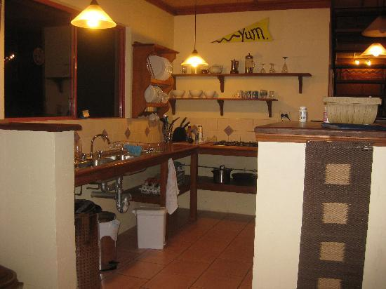 Akoonah Cottages - Byron Bay Hinterland: Kitchen