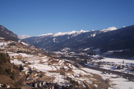 Hotel Lagorai Alpine Resort & Spa: vista della valle dalla camera