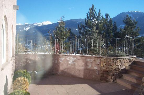 Hotel Lagorai Alpine Resort & Spa: giardino all'esterno della sauna