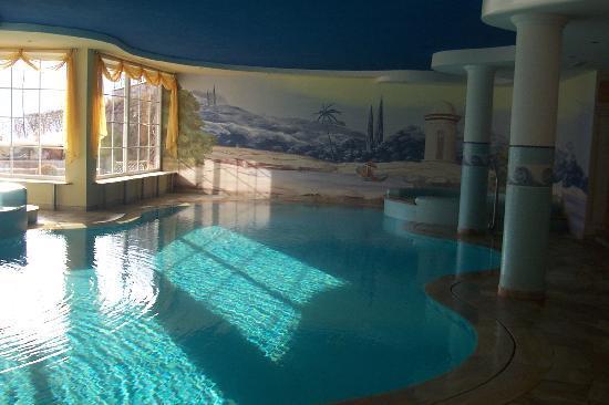 Кавалесе, Италия: piscina
