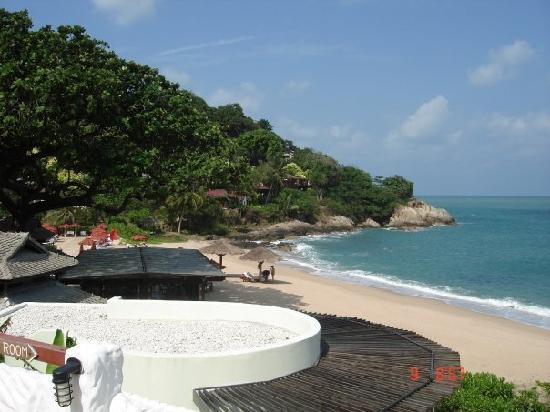 The Tongsai Bay: Pool area by beach