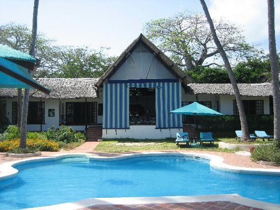 Diani Blue: Asha Cottage