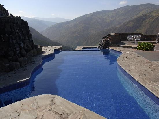 Imagenes De Baño De Luna:Foto de Luna Runtun, Adventure SPA, Baños: La piscine de l'hôtel