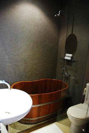 LUXX: Bathroom.