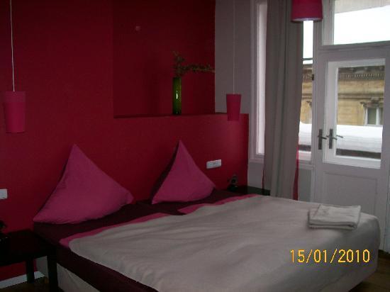 Hotel PurPur: letto
