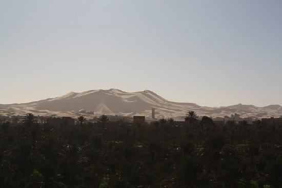 Riad Nezha: Erg Chebbi in the morning, from the terrace