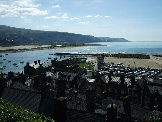 Barmouth, UK: View of the harbour from NT Dinas Oleu