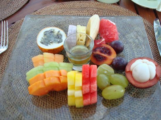 The Oberoi Bali: Fruit platter at breakfast