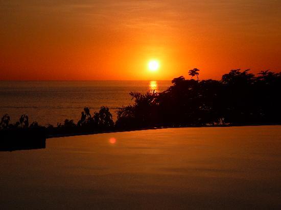 Le Rayon Vert: couché de soleil hotel