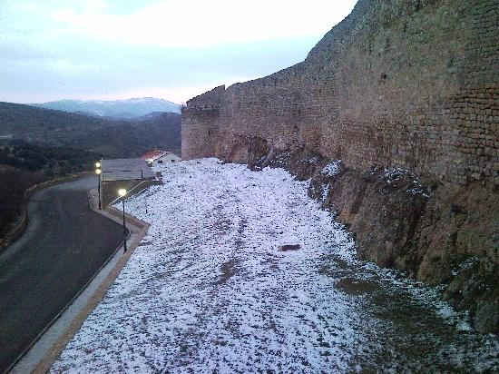 Morella, Spain: Muralla nevada