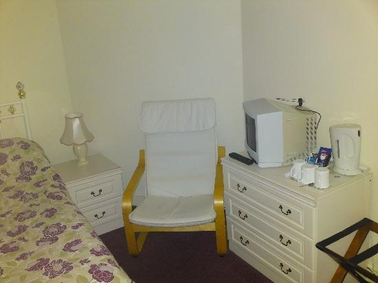 Clifton House Hotel : Chair to relax in