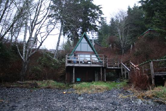 Duffin Cove Oceanfront Lodging: A frame on the shore