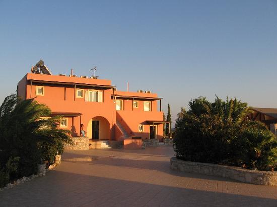 Kallicrates Village: ..