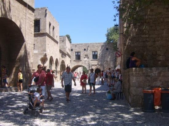 Medieval City: Rhodes town im guessin