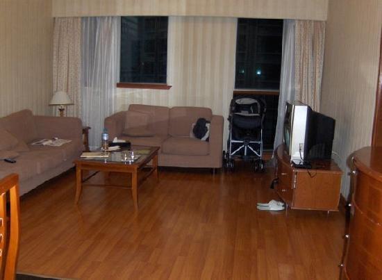 Shanghai LA Residence : Living room as seen from entrance