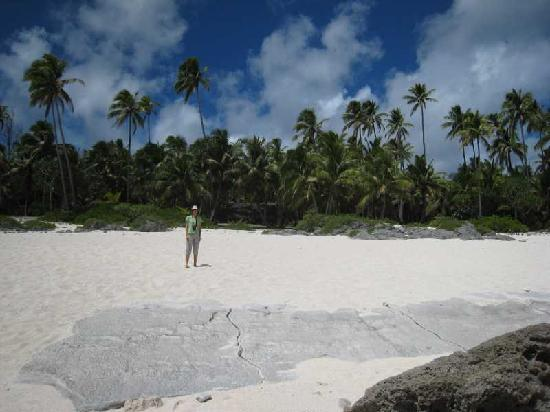 Mauke, Cook Islands: One of many secluded beaches