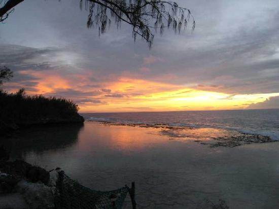 Mauke, Cook Islands: Okiva Sunset