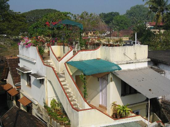 Kapithan's Inn: The rooftop garden from our balcony
