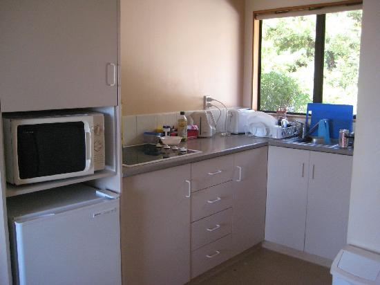 Torlesse Motels: Kitchen