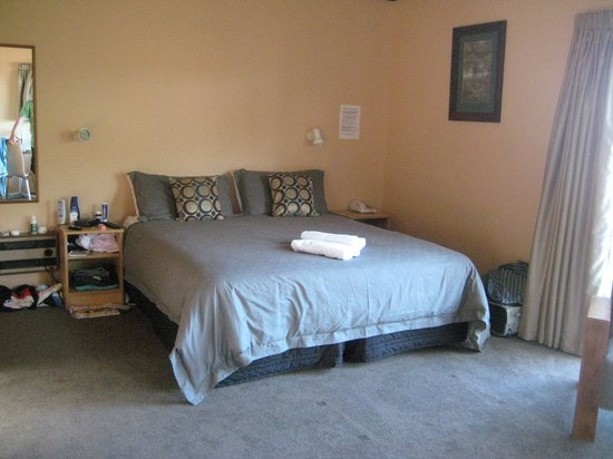 Torlesse Motels: Bed