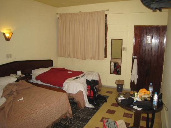 Hotel Palenque: dark old rooms
