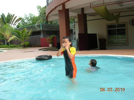 Sungai Petani Inn: The pool side
