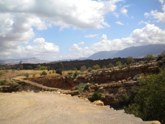 Ouzoud, Maroc : le chemin pour accéder au lac
