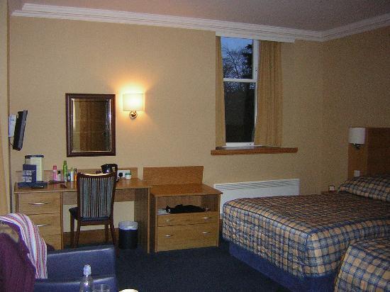 Highland Hotel: Room 211