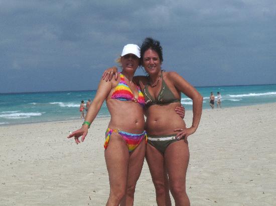 فاراديرو, كوبا: 2 amies à cuba