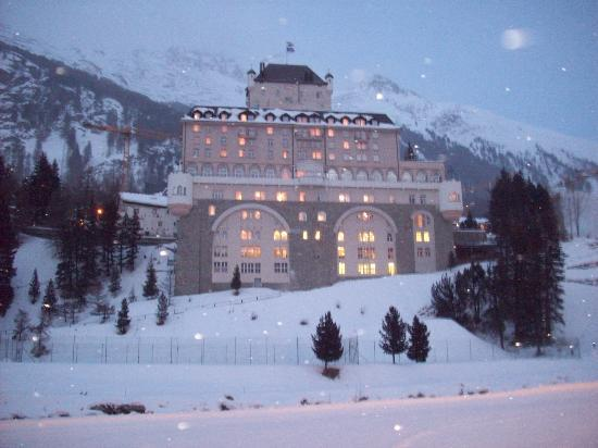 Hotel Schloss Wellness & Family - TH Resorts: L'hotel visto dalle piste di fondo