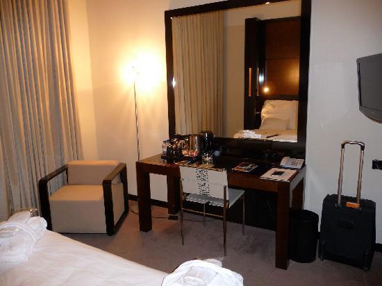 Maximilian Hotel: Room