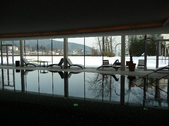 Falkensteiner Schlosshotel Velden: piscina