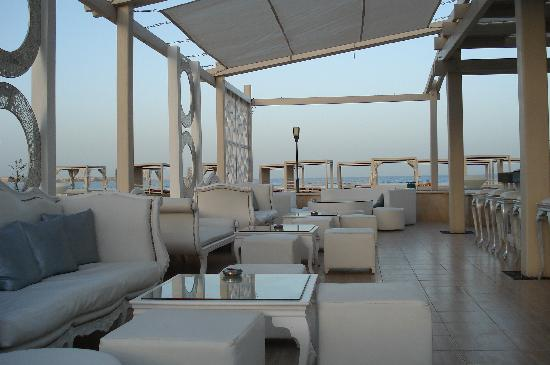 Premier Le Reve Hotel & Spa (Adults Only): Pool Bar