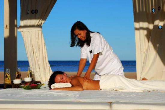 Premier Le Reve Hotel & Spa (Adults Only): Beach Massage