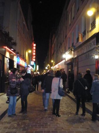 rue de la roquette picture of place de la bastille paris tripadvisor. Black Bedroom Furniture Sets. Home Design Ideas