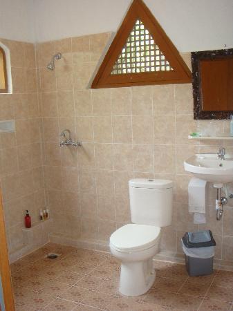 Kusnadi Hotel: Toilet