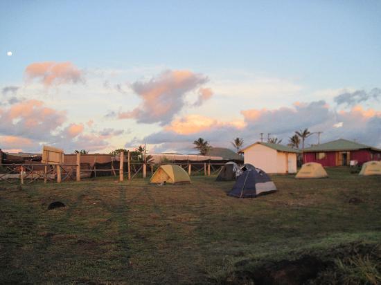 Camping Mihinoa: Camping area at sunset