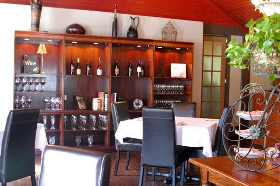 Avery Creek Bistro: Dining room