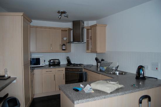 Fountain Court Apartments - EQ2: Kitchen