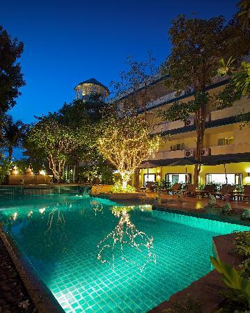Citin Garden Resort by Compass Hospitality: Swimming Pool