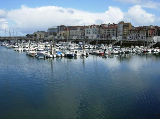 Puerto deportivo de gij n fotograf a de gij n asturias - Puerto deportivo gijon ...