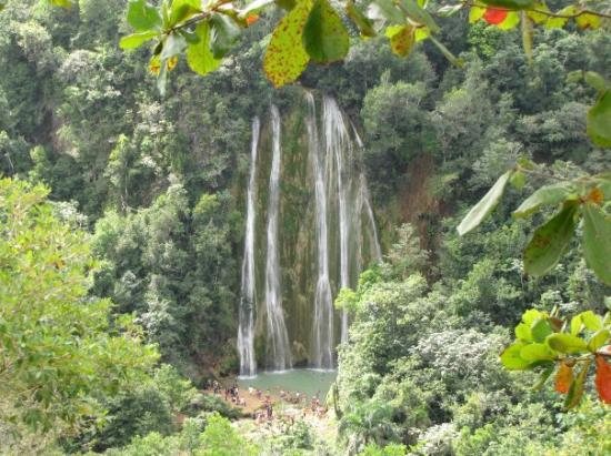 El Limon: Salto De Limon. The #1 think to see in the dominican. 30 metres high.