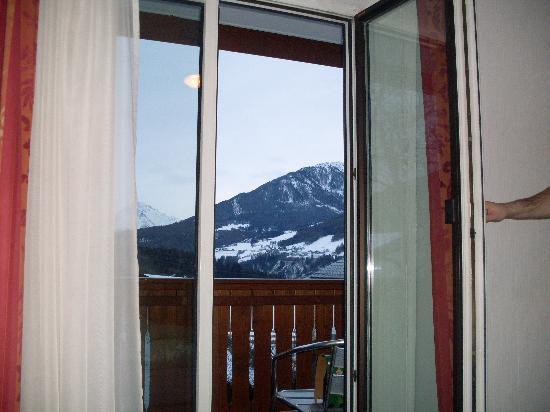 Sonnenhof Igls: The view from room 16 bed!