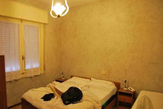 Albergo Losanna: camera doppia a 28 euro